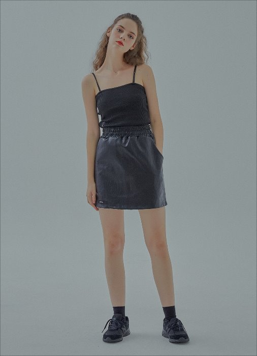 FAUX LEATHER MINI SKIRT (black)