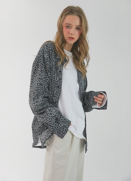 Leopard-printed Shirt_(grey)
